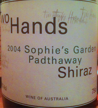 two hands shiraz sophies garten 2004